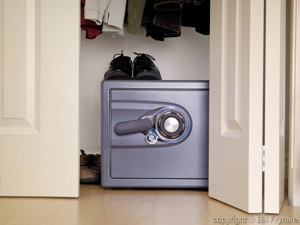 Simple Closet Safes Roselawnlutheran